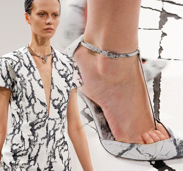 Balenciaga apuesta por el contraste entre blanco y negro para su nueva colección otoño-invierno