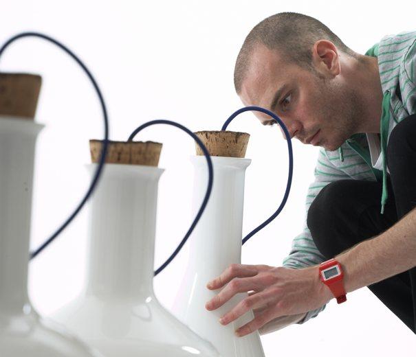 Benjamin Hubert, diseñador que experimenta con las posibilidades de cualquier material