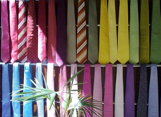Las corbatas se deben colgar correctamente para que no sufran deformaciones