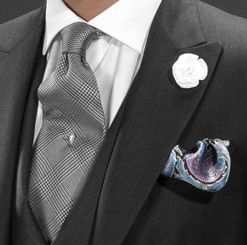 La corbata de seda, la reina de las corbatas