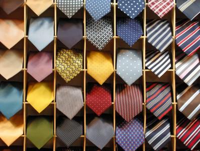 Consejos para elegir una buena corbata: las corbatas de seda