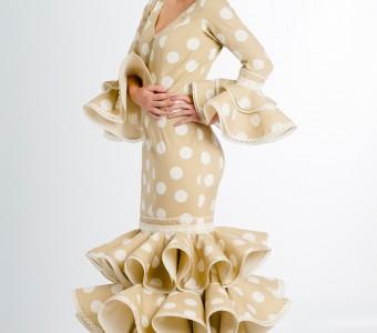 Elegancia y armonía en la colección de vestidos de flamenca de la marca Micaela Villa
