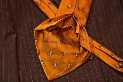 Las corbatas seven-folds, 100% seda y hechas a mano