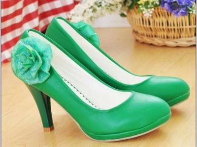 Cómo encontrar zapatos en tallas especiales