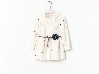 Nueva colección ZARA de vestidos de bebé niña