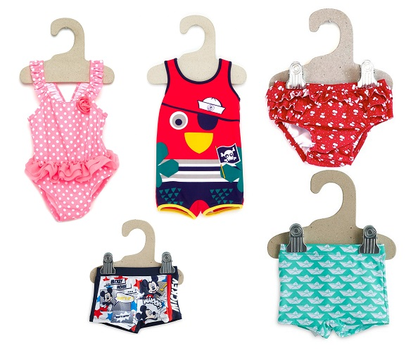 ropa de bebé baño