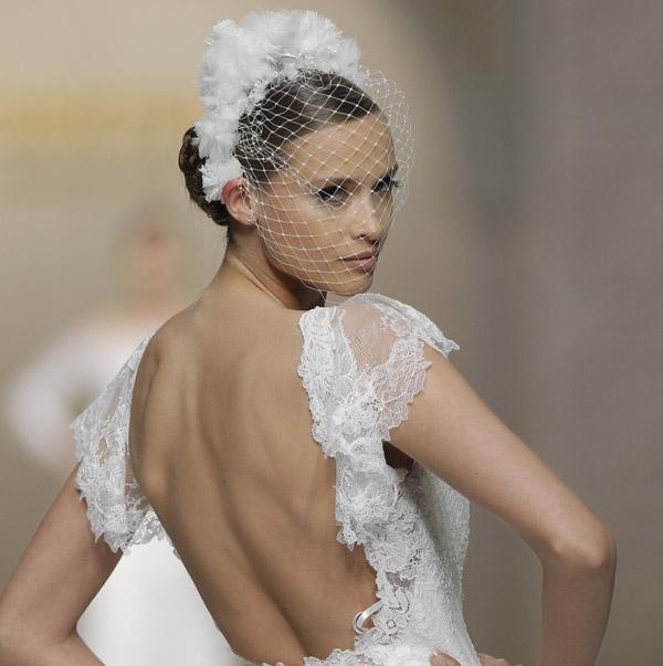 peinados de novia flores