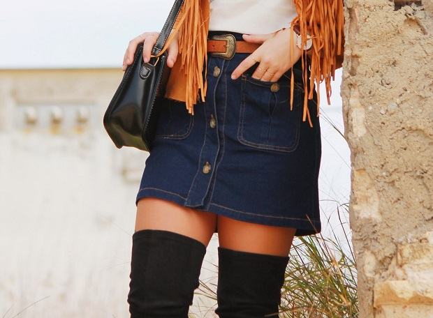 falda con botones flecos