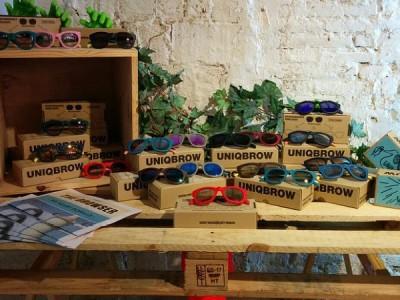 Uniqbrow el éxito de las gafas personalizadas tiene acento español
